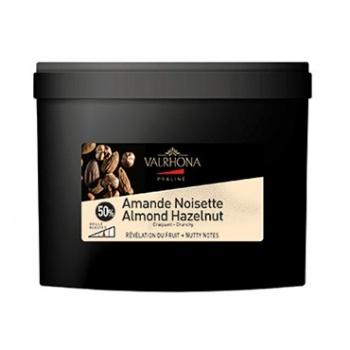 Valrhona 50% Crunchy Almond Hazelnut Praliné - 5 kg bucket