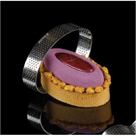 Microperforated Stainless Steel Oval Individual Tart Rings Height: 3/4'' - 54 x 92 x 20 mm